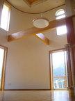 将来設置予定の暖炉に対応した 正面壁と床