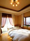 主寝室 / 全室の天井のデザインが違うのも特徴