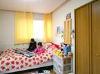 子供部屋 / 天井が高く見えるデザイン