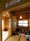 水屋の数寄屋天井と壁欄間の連なりが美しい