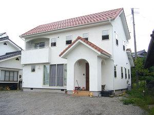 プロヴァンス風の白い家